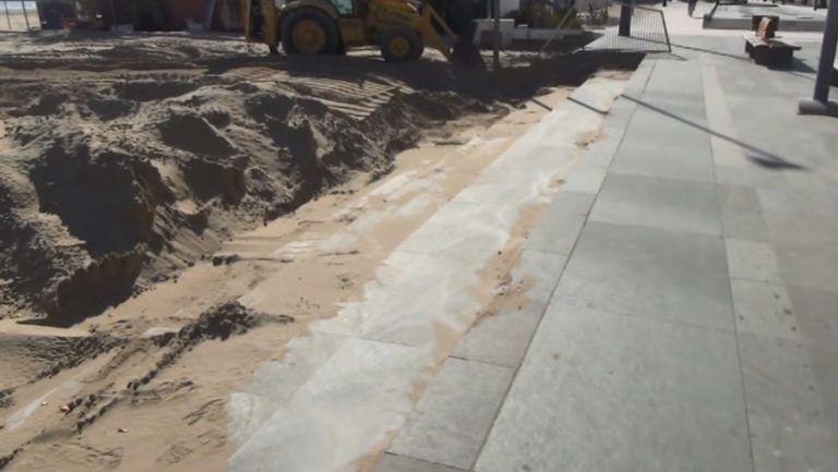 Roseto, al via la pulizia del lungomare per eliminare la sabbia trasportata dal vento