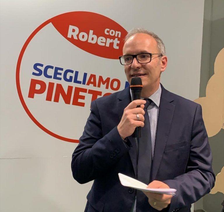 Pineto, elezioni comunali: Verrocchio apre le porte alla sua sede elettorale