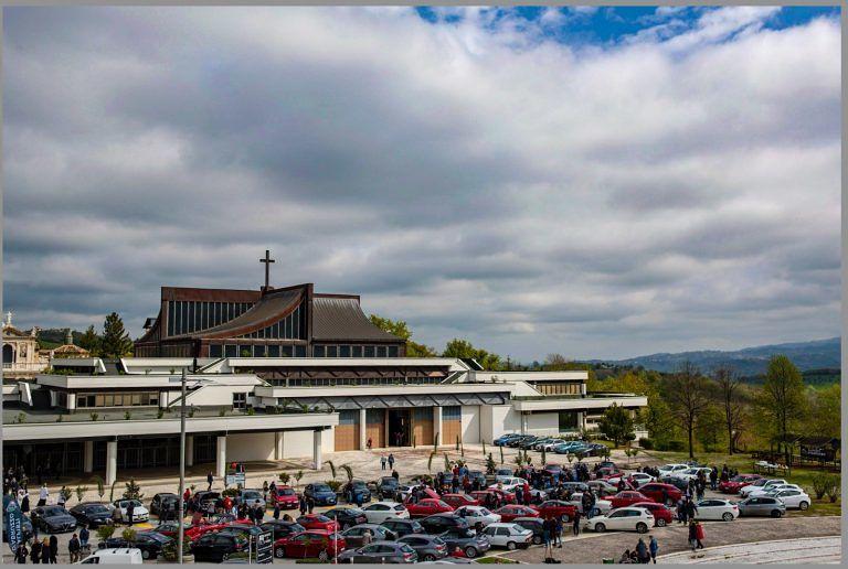 San Gabriele: grande successo il secondo raduno Alfisti d'Abruzzo. E al Santuario, anche una proposta di matrimonio…
