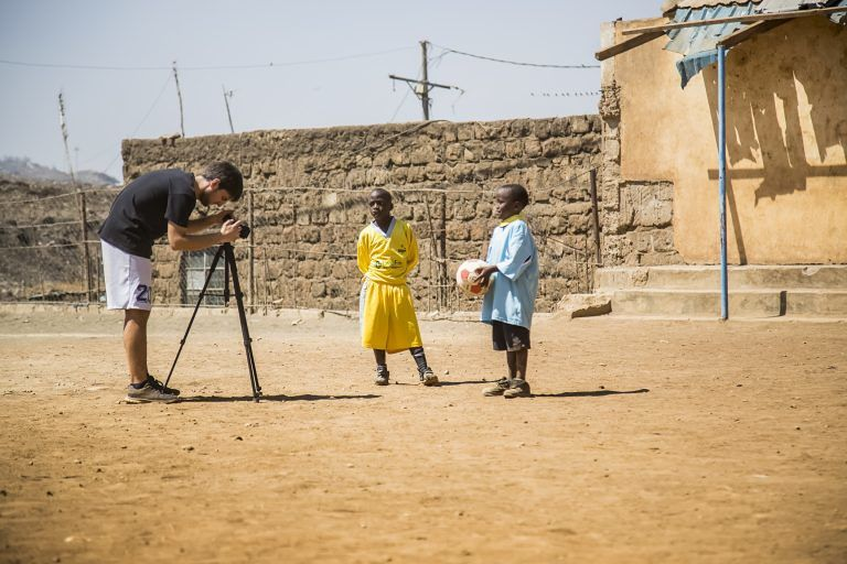 Il cortometraggio di Davide Lupinetti promuove un simbolico gemellaggio tra tre scuole teramane e una del Kenya