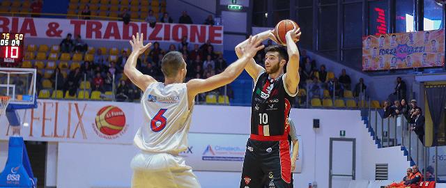 Basket, Chieti si consacra regina dei derby e blinda il secondo posto (85-62)