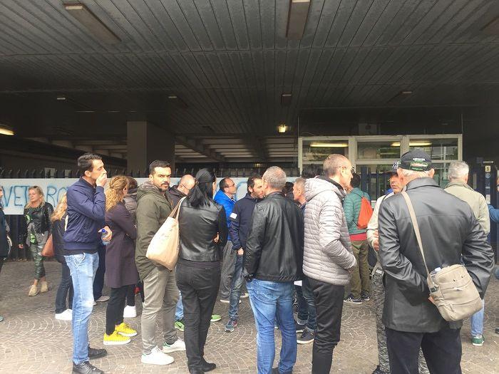 """Pescara, in cento al sit-in per le Nadiadi alla Regione: """"Pochi giorni per le soluzioni"""" FOTO"""