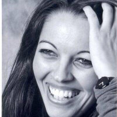 """Teramo, la reporter di guerra Barbara Schiavulli al liceo """"Delfico"""" per raccontare i grandi conflitti"""