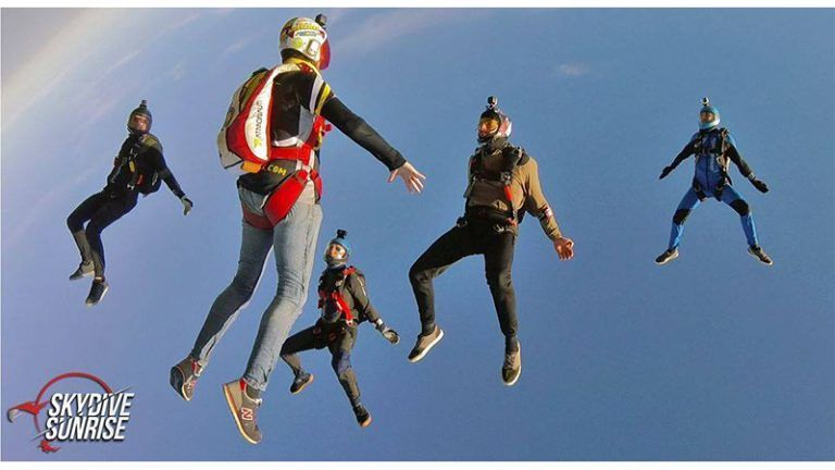SKYDIVE SUNRISE 'paracadutismo sportivo' Corropoli (TE) domenica 7 Aprile 'ANGLE FLY' con Gigliola Borgnis