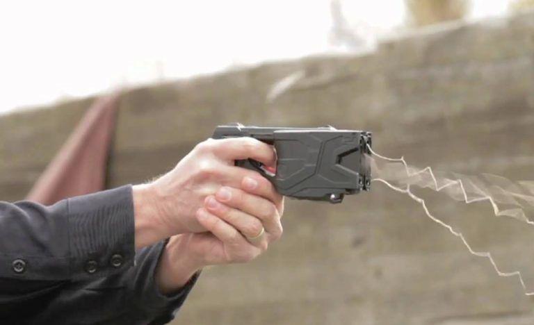Sicurezza: la pistola elettrica entrerà nella dotazione delle forze dell'ordine