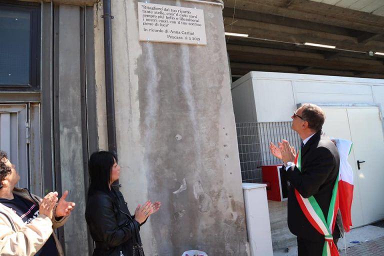 Pescara, morta nel tunnel della stazione: una targa per Anna Carlini