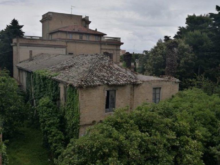 Roseto, Fratelli d'Italia: 'ennesimo annuncio del PD su Villa Filippone Thaulero' FOTO