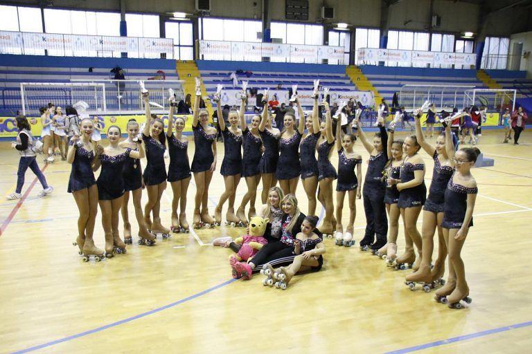 Pattinaggio: 19 medaglie ai Regionali di Montesilvano per la Skating Academy