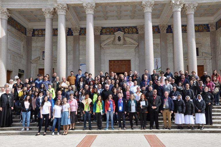 Al Santuario di San Gabriele la seconda veglia internazionale dei giovani FOTO