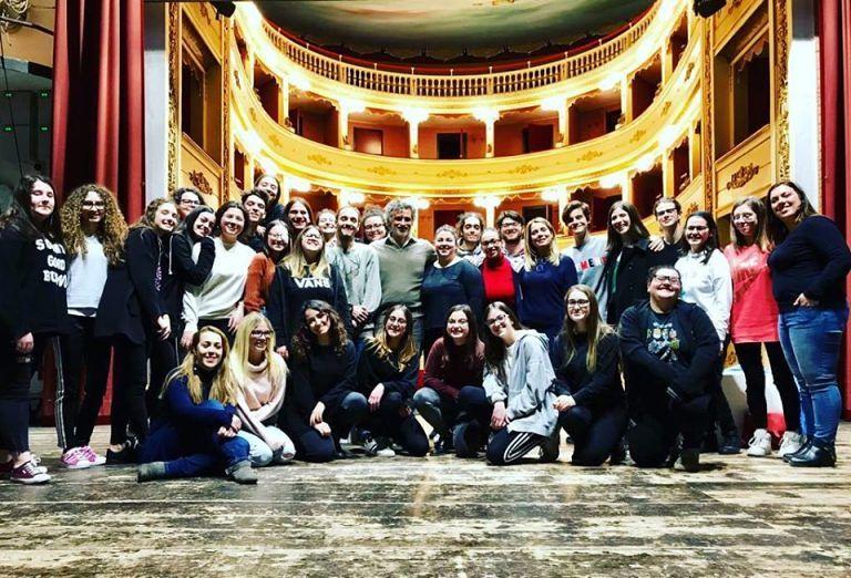 Istituto Zoli, 'I giganti della montagna': il Pirandello degli studenti in scena a Teatro ad Atri