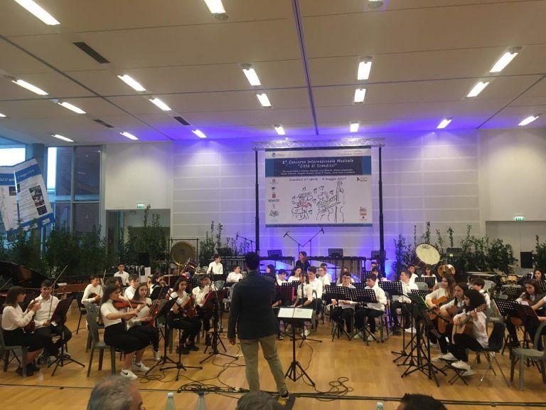 Alba Adriatica, la scuola media vince il concorso musicale internazionale di Scandicci