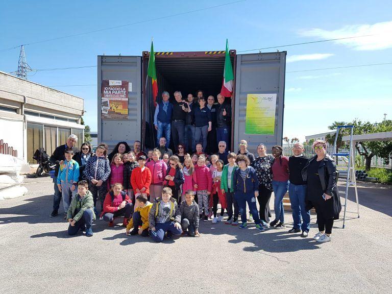 Giulianova, quinto container di Colibrì Onlus per il Senegal grazie alla scuola di Petriccione
