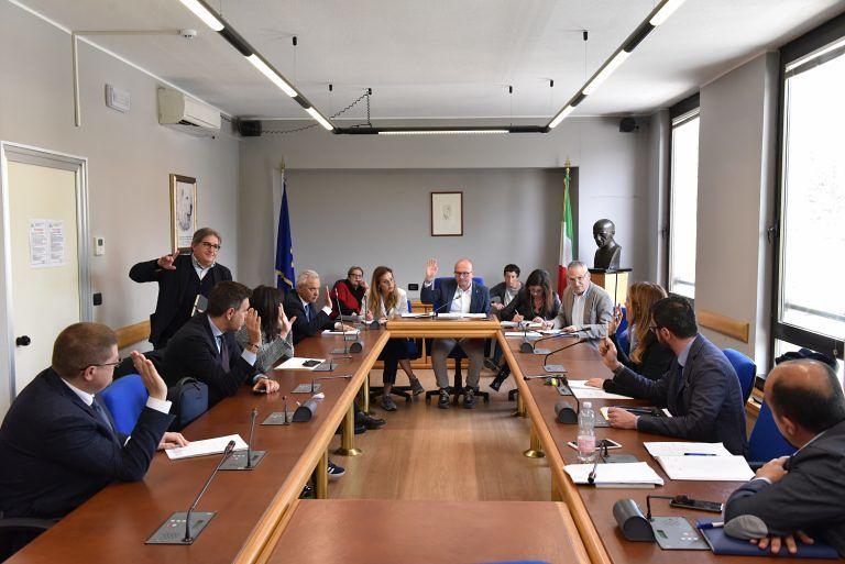 Abruzzo, la terza commissione licenzia il testo di legge su evasione e tutela dei professionisti