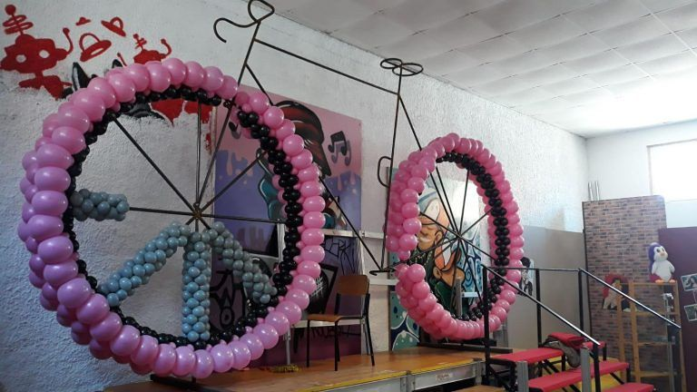 Tortoreto, la bicicletta gigante per omaggiare il Giro d'Italia FOTO