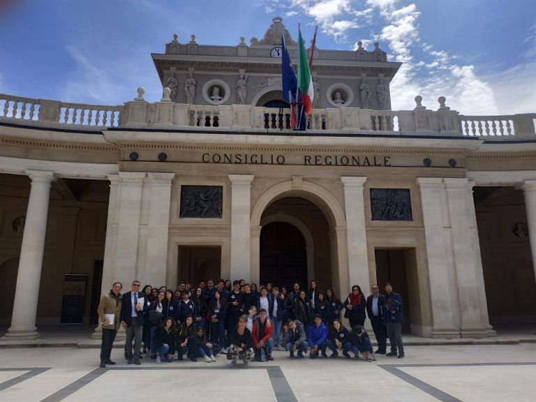 Scuola e istituzioni: successo di visite all'Emiciclo