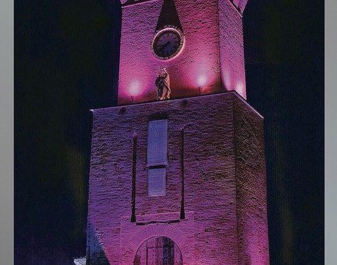 Tortoreto, aspettando il Giro d'Italia: in arrivo la maxi-figurina della Torre dell'Orologio