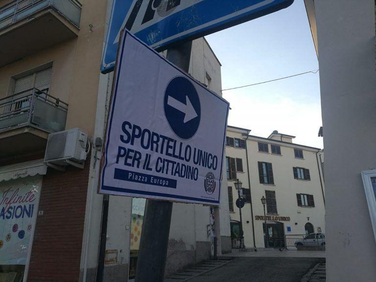 """Sant'Egidio, uffici comunali: CasaPound """"ripristina"""" la cartellonistica stradale FOTO"""