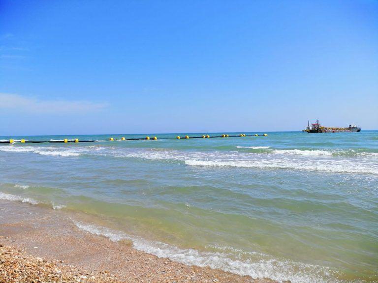 Avviati anche a Silvi i lavori di ripascimento della spiaggia
