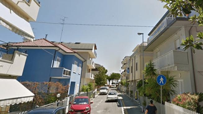 Alba Adriatica, rapina nella tabaccheria di via Abruzzo: banditi fuggono in auto