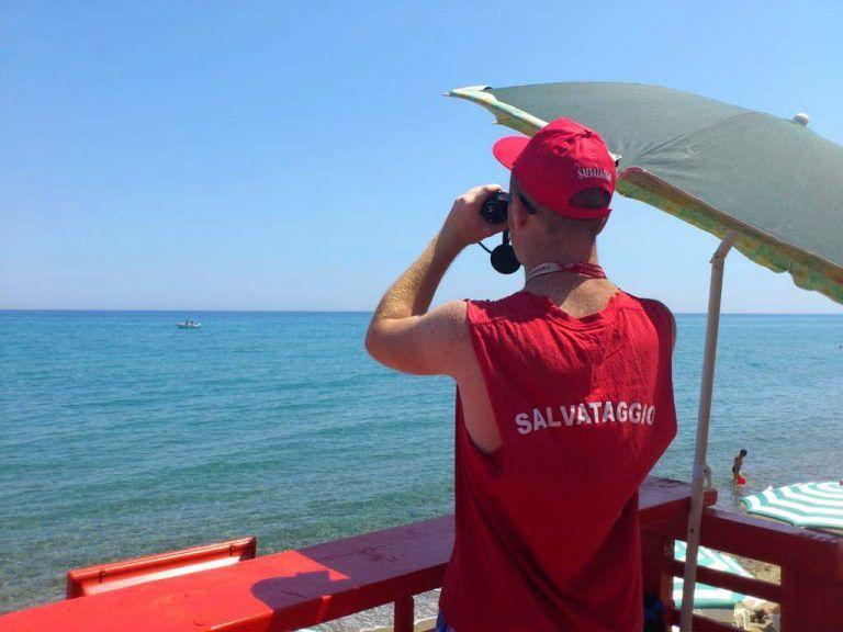 Roseto, salvataggio in mare nella zona del Borsacchio