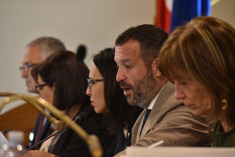 Cura Abruzzo, pubblicate le leggi per le imprese colpite dalla pandemia