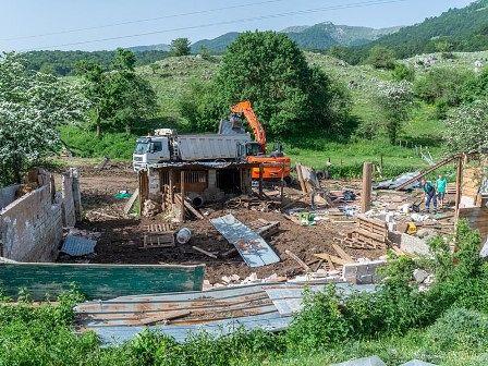 Parco Abruzzo, al via le demolizioni delle baracche abusive