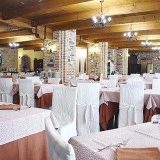 LA LOCANDA della tradizione Sapori ed Accoglienza autentici Abruzzesi Il posto ideale per un giorno speciale Corropoli (TE)