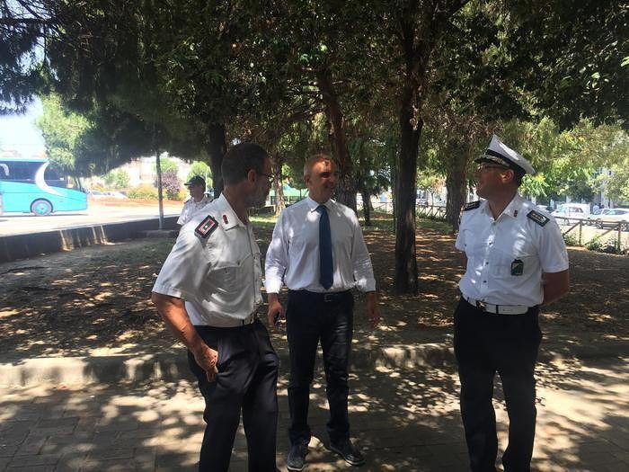 """Pescara, blitz antidegrado nell'area di risulta. Il questore: """"L'Esercito non serve"""""""