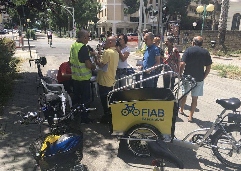 Pescara, parcheggi su strada parco: l'appello di Fiab