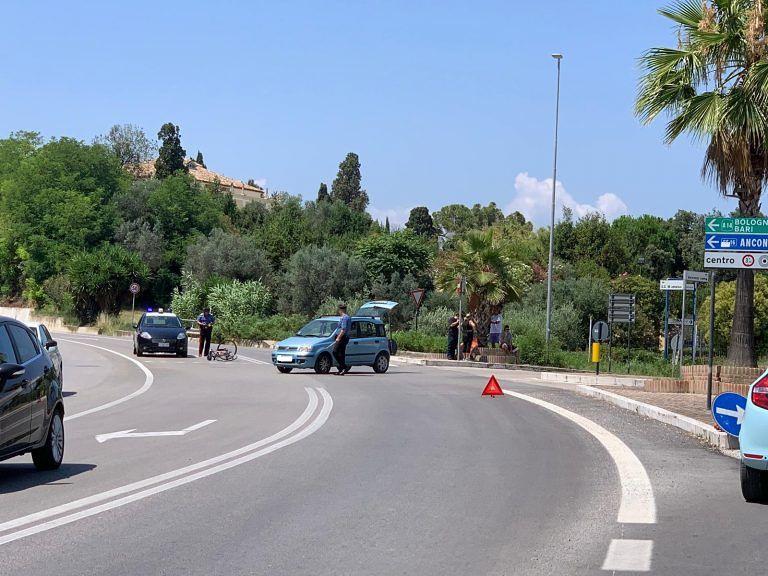 Alba Adriatica, ciclista investito alla curva del Gattopardo FOTO