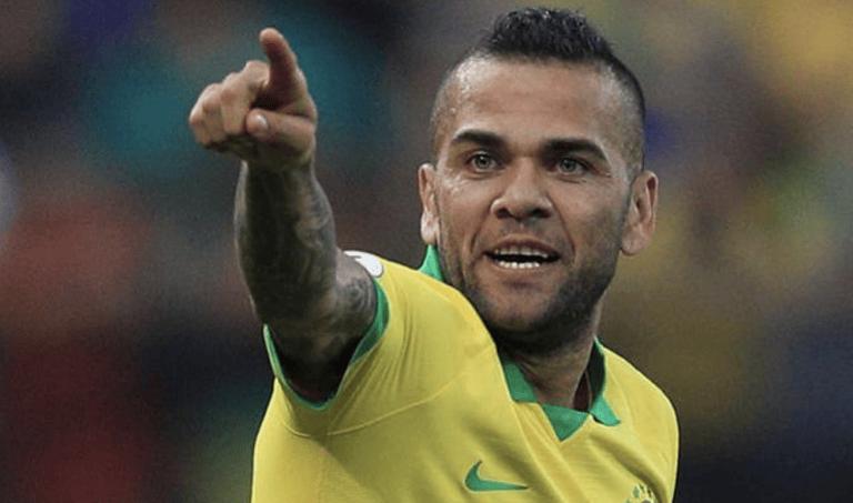 Calcio, il Torrebruna offre arrosticini e ventricina allo svincolato Dani Alves