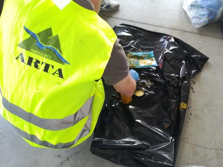 L'Aquila, pacco sospetto nel centro postale operativo: scatta l'allarme FOTO
