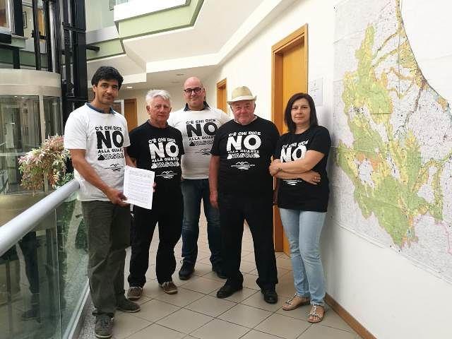 Quarta discarica a Cupello, comitato deposita 2.600 firme contrarie alla VIA in Regione