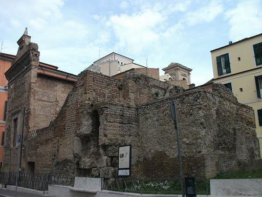 Estate ai Tempietti romani di Chieti