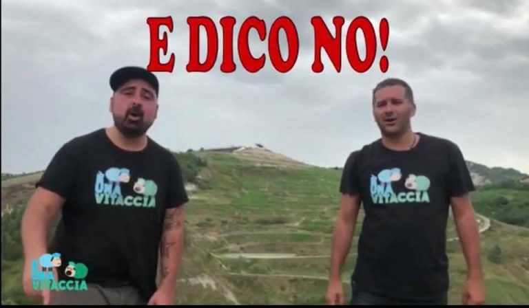 """Atri, il nuovo singolo di """"E' una vitaccia"""" diventa l'inno contro l'ampliamento della discarica di Santa Lucia"""