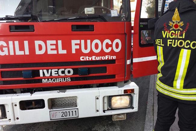 Pescara, si ribalta nella pineta: 3 auto coinvolte