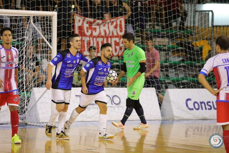 Futsal, Acqua e Sapone battuta: Supercoppa a Pesaro