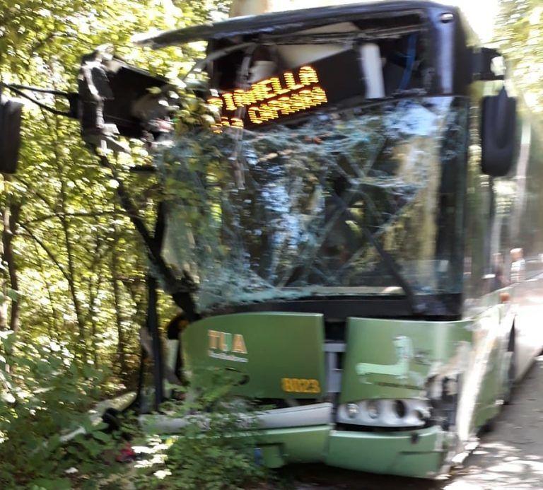 Spoltore, schianto del bus: conducenti negativi ad alcol e droghe
