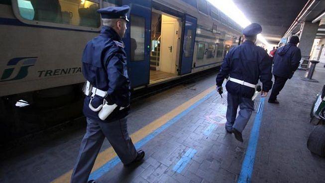 Giulianova, fermato sul treno verso la Puglia: denunciato