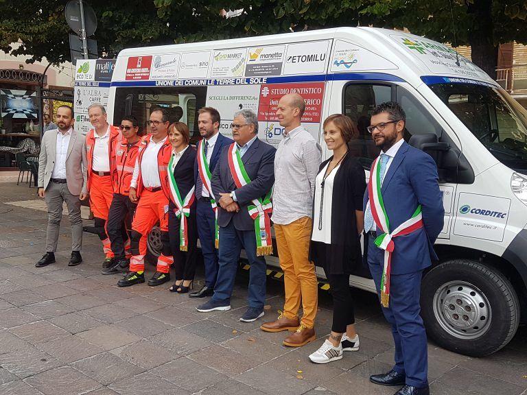 Giulianova, donato all'Unione dei Comuni un veicolo per il trasporto gratuito di persone con difficoltà motorie