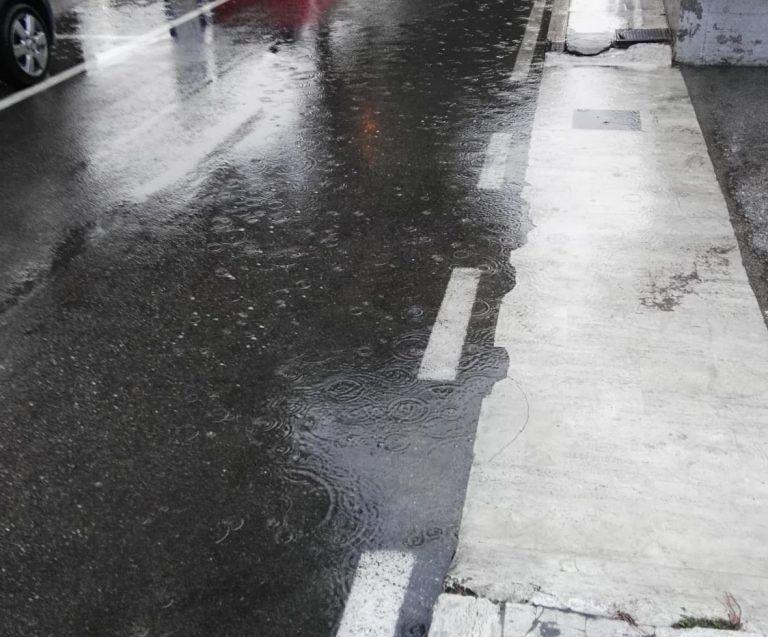 Tortoreto, allagamenti nelle strade asfaltate di recente: la protesta FOTO VIDEO