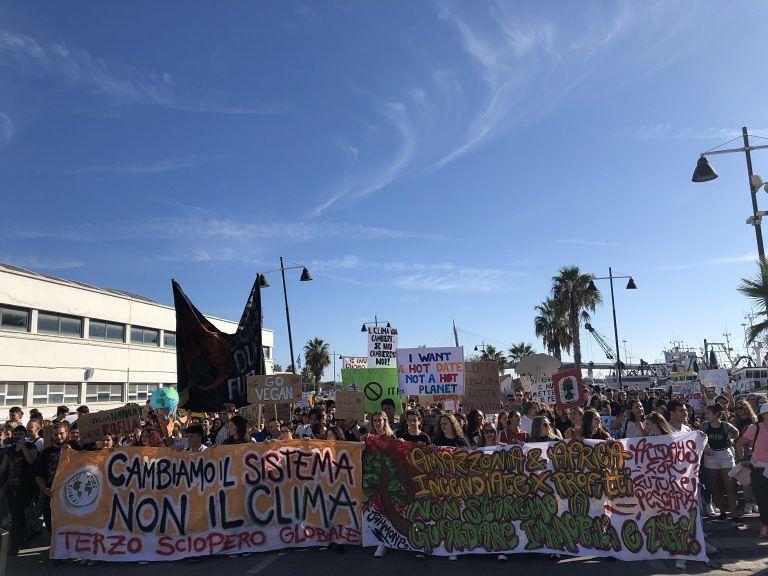 Pescara, bocciata la Mozione Clima: pronte altre proteste