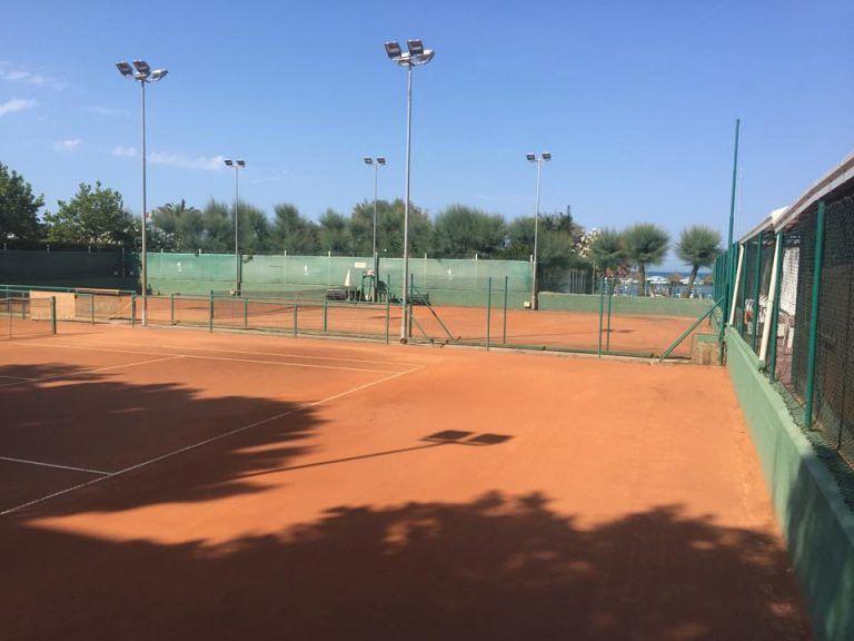 Silvi, campi da tennis a rischio?