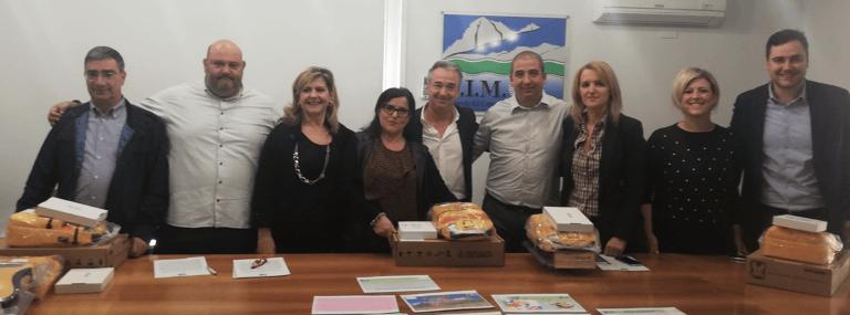 Comuni della provincia di Teramo ricevono sei nuovi defibrillatori