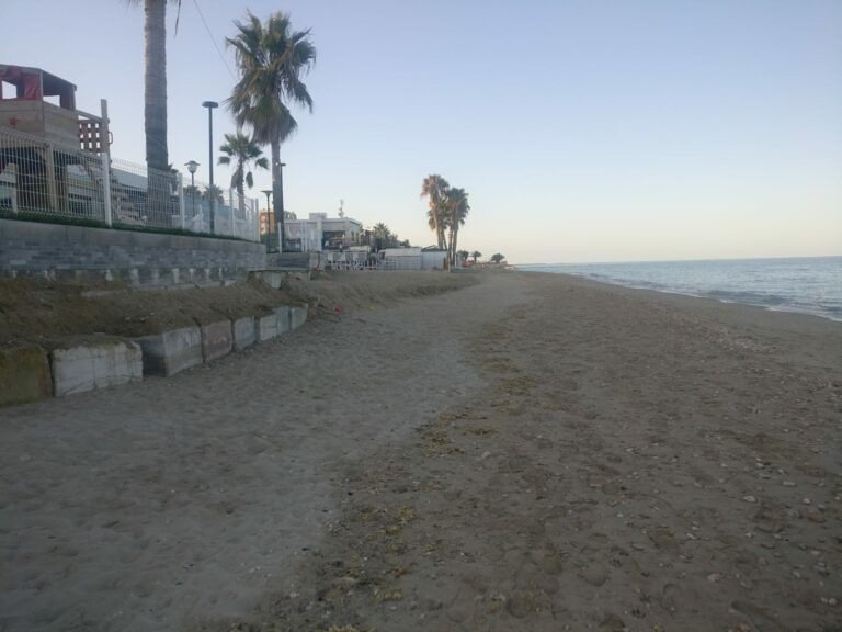 Alba Adriatica, erosione spiaggia: Costa dei parchi ribadisce la necessità delle scogliere orizzontali