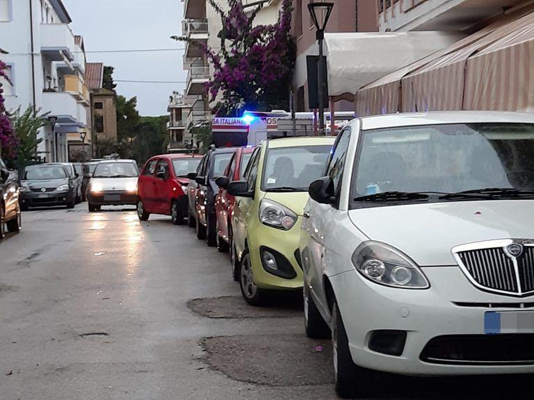 Pineto, incidente su via Roma coinvolge tre macchine