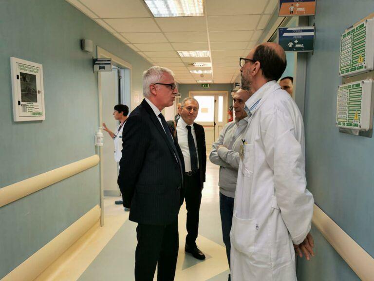 Ospedale Castel di Sangro, il manager Asl Testa visita i reparti