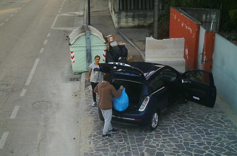 Pescara, telecamere e fototrappole contro i rifiuti abbandonati