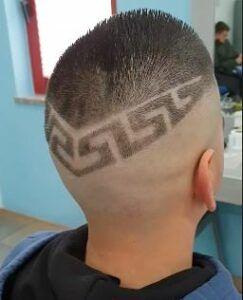MANI DI FORBICI HAIR STYLE E BARBERIA, il barbiere per tutte le età!