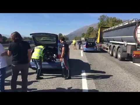 Pescina, A25: camionista travolto e ucciso da un collega VIDEO